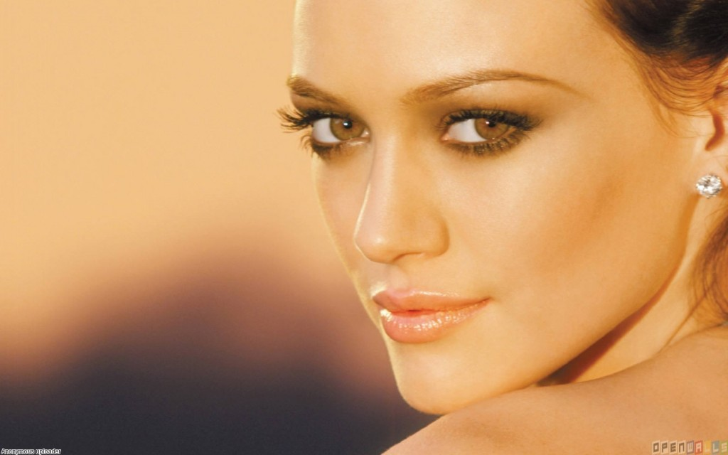 hilary_duff_beautiful_face_1440x900